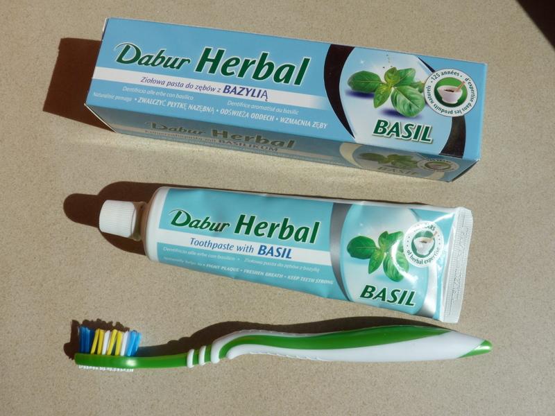Dabur Herbal Basil – naturalna pasta do zębów bez fluoru z Tulsi / Bazylią