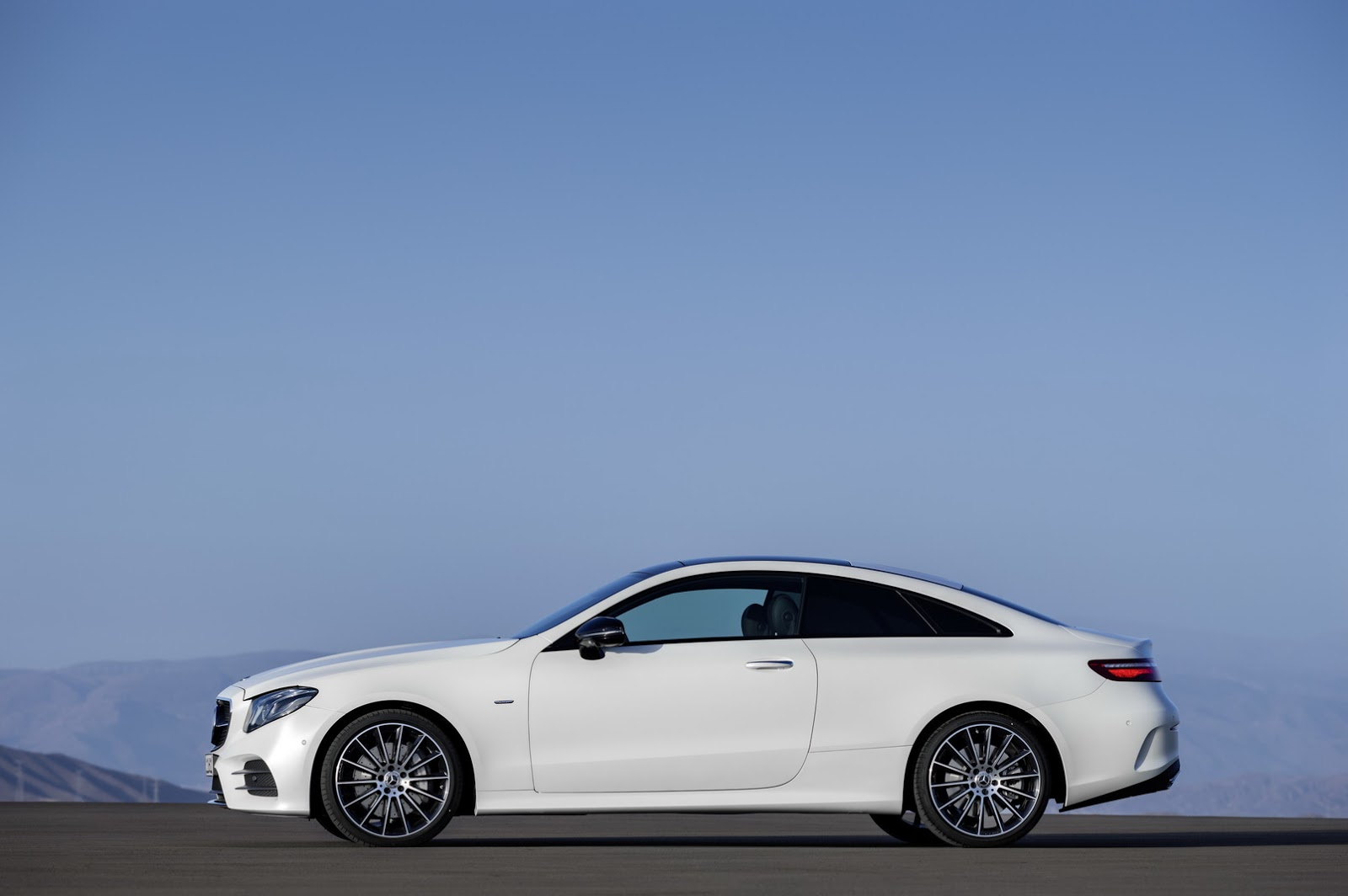 2018 mercedes benz e class coupe for when the s coupe is too big and the c too small types cars. Black Bedroom Furniture Sets. Home Design Ideas