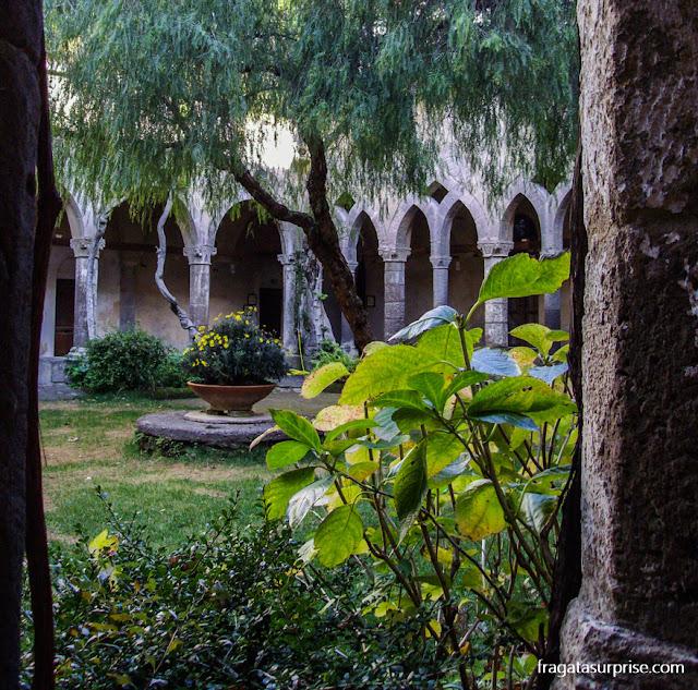 Claustro de San Francesco, Sorrento, Itália