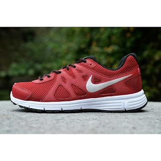 Nike Revolution Merah original