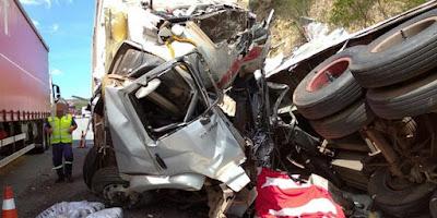 TRAGEDIA : HOMEM MORRE E OUTRO FICA FERIDO EM GRAVE ACIDENTE  NA BR-116,