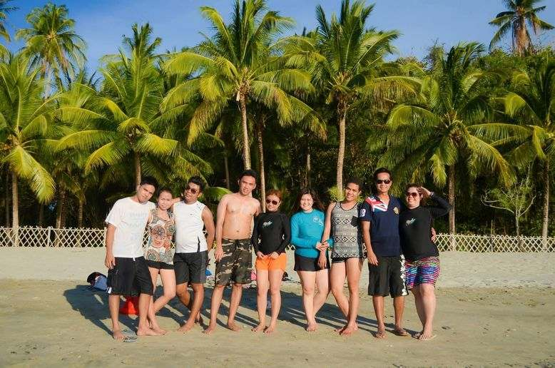 Group of bloggers on the beach of Puerto Galera