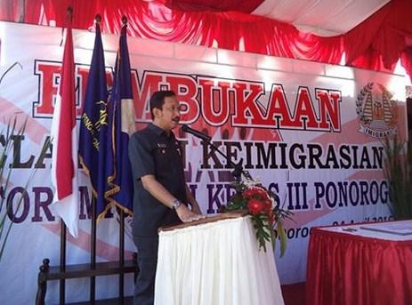 Ipong Muchlissoni Resmikan Kantor Imigrasi Kelas III Kabupaten Ponorogo