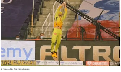 Watch: Faf du Plessis started the IPL party with two great catches