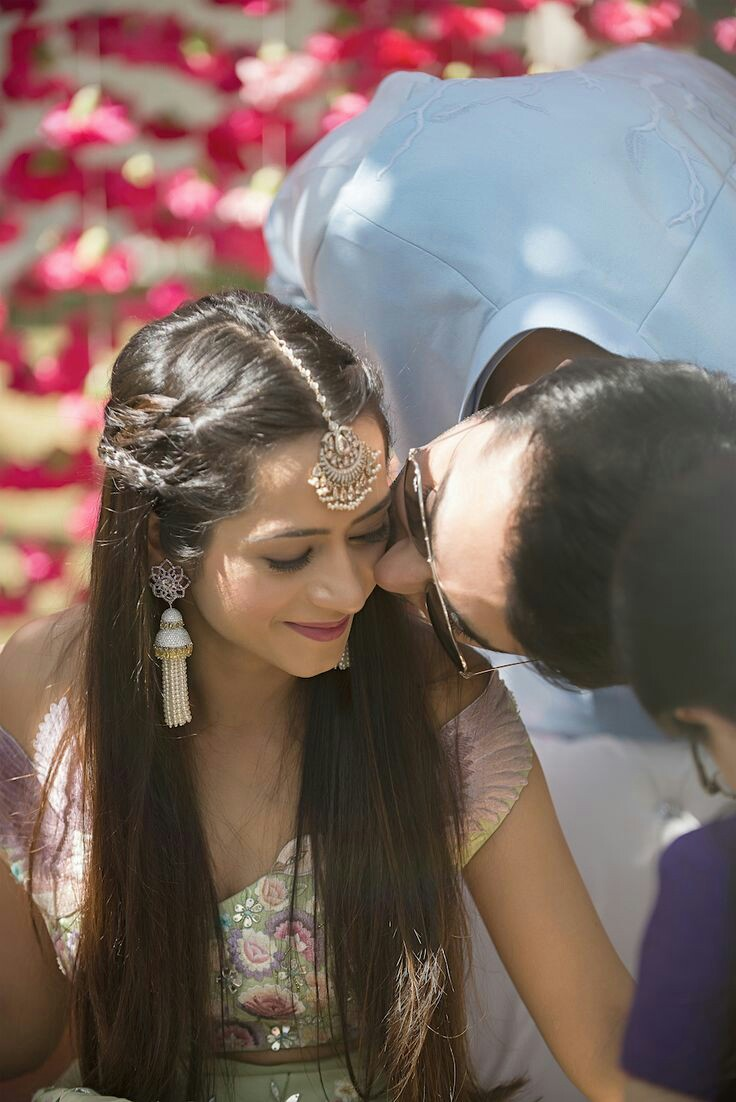 Mehndi Ceremony Hairstyles : Easy hairstyles for your mehndi ceremony bling sparkle