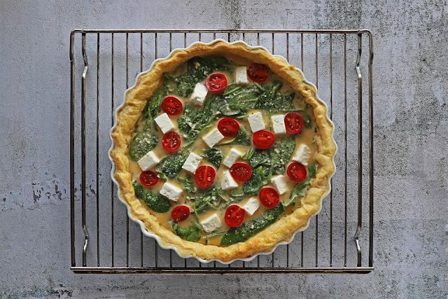 Προετοιμασία για τη Συνταγή για Τάρτα με Σπανάκι και Φέτα