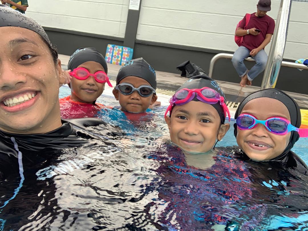 belajar berenang, kelas renang, aktiviti anak-anak