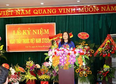 Đồng chí Ngô Thị Minh Huệ, Bí thư Đảng ủy, Giám đốc Bệnh viện Xây dựng Việt Trì