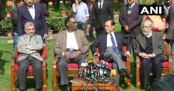 Democracy will not survive without free judiciary: top SC judges to media, New Delhi, News, Justice, Supreme Court of India, Press meet, Criticism, Allegation, National