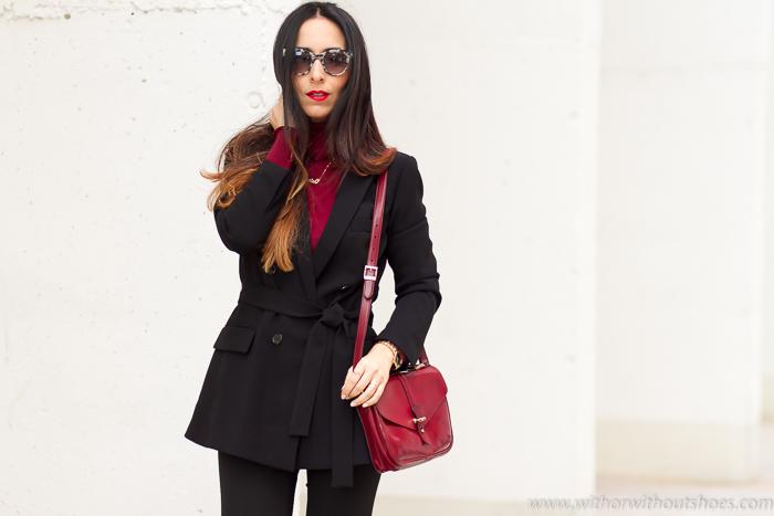 Bloguera de moda valenciana con estilo traje chaqueta cruzada