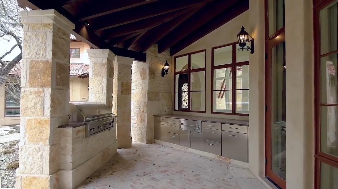 39 Interior Design Photos vs. 21 Crescent Park San Antonio Luxury Mansion Tour