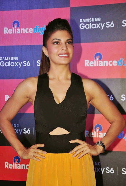 Jacqueline Fernandez Looks Super Sexy At The Launch Of New Samsung Galaxy S6 Smart Phone