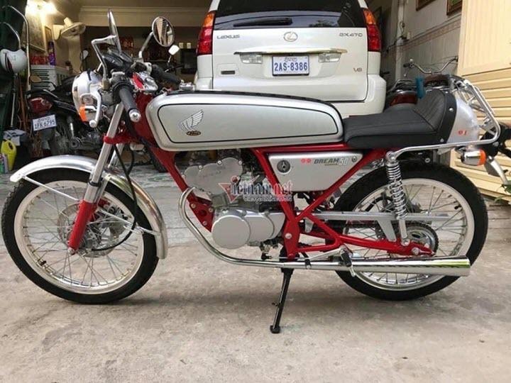 Honda Dream 50 đời 1997 giá trăm triệu ở Sài Gòn