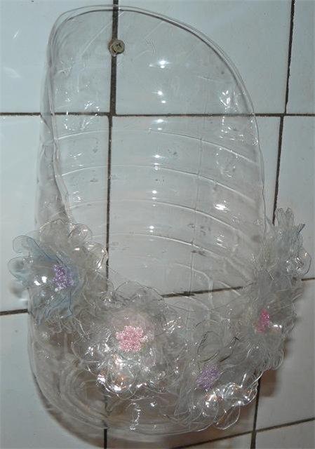 Карман из пластиковой бутылки для ванной