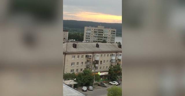 В Екатеринбурге экс-полицейский открыл стрельбу из окна квартиры, среди раненых – ребёнок