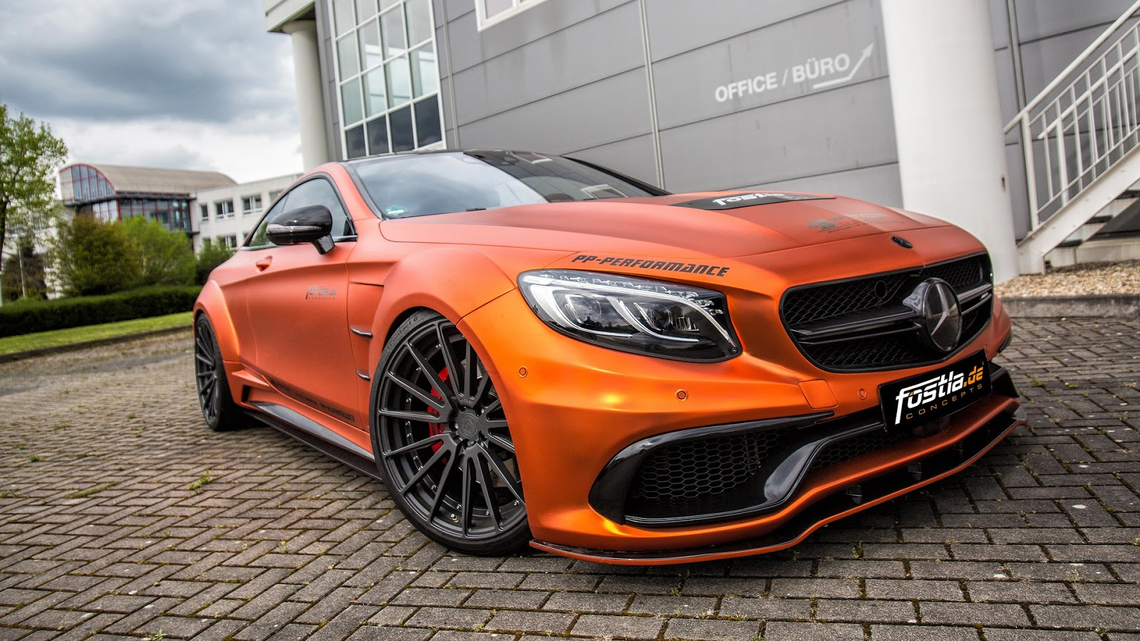 fostla goes all out with prior design mercedes amg s63 coupe carscoops. Black Bedroom Furniture Sets. Home Design Ideas