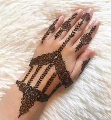 designer-finger-henna