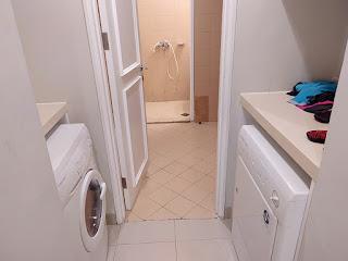 Mesin Cuci dan Mesin Pengering plus Ruang ART