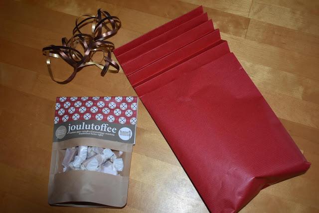 Miten tehdä kaunis joulupaketti?