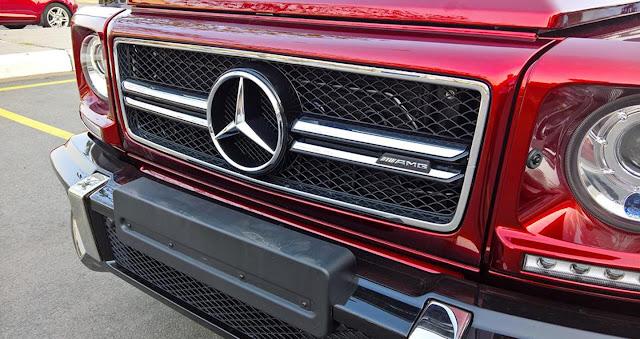 Mercedes AMG G63 sử dụng Lưới tản nhiệt 2 nan với Logo ngôi sao 3 cánh chính giữa