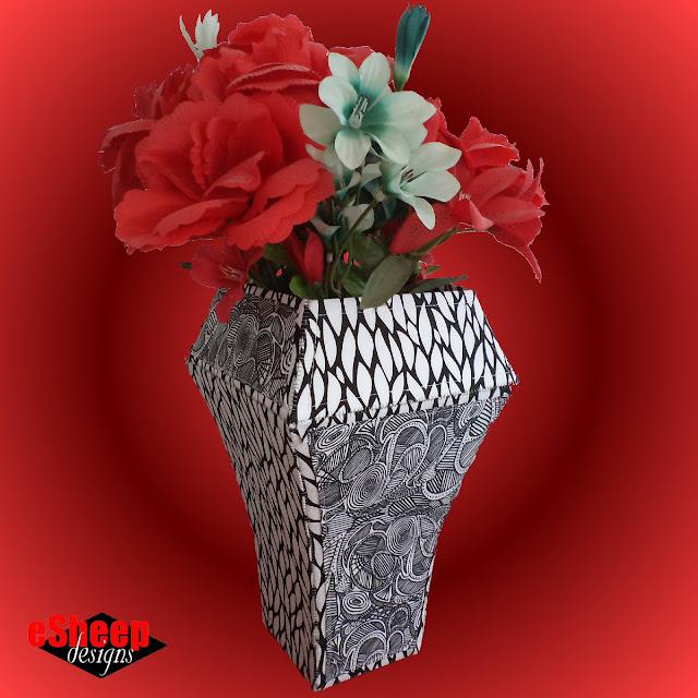Fabric Pieced Violà Vase by eSheep Designs