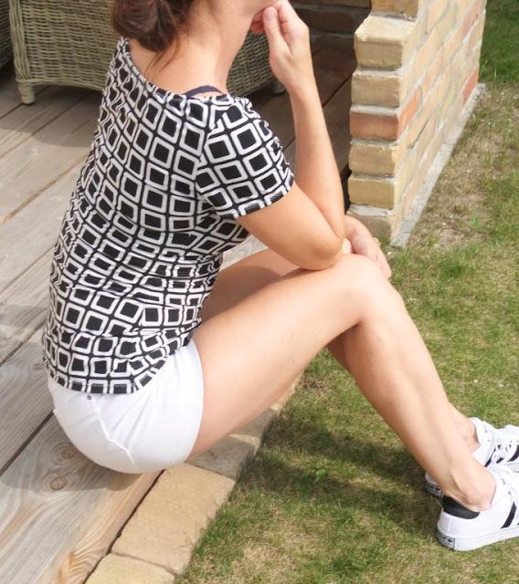 Carmenshirt nach Kleid Vichy schwarz-weiß