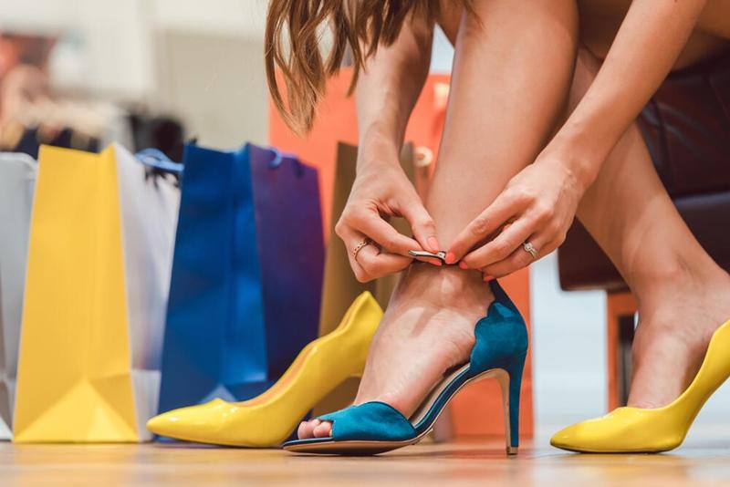 Topuklu ayakkabı kalıcı zarar verebilir!