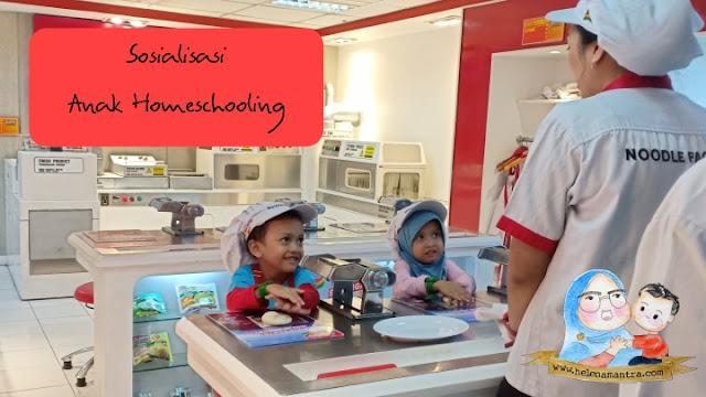 belajar sosialisasi anak homeschooling