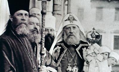 Н. Р. Бобровъ († 1970 г.): Передъ лицомъ массоваго отступленія
