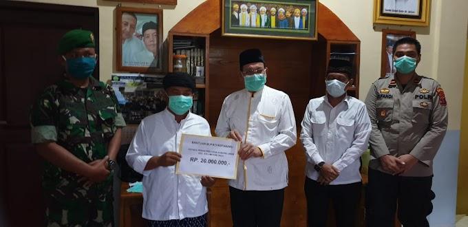 Bupati Kotabaru Kunjungi dan Bantu Ponpes Raudhatul Nahdhiyin Karang Liwar