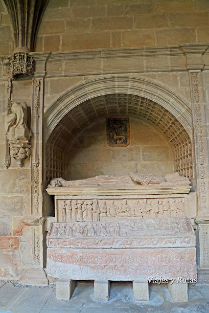Sepulcro de Diego López y su mujer del Claustro del Monasterio de Santa María la Real de Nájera