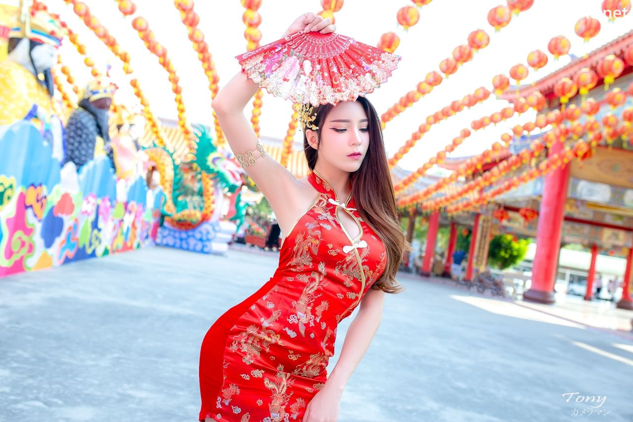Image-Thailand-Hot-Model-Janet-Kanokwan-Saesim-Sexy-Chinese-Girl-Red-Dress-Traditional-TruePic.net- Picture-1