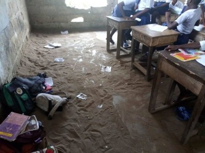 Monkey School: Community Secondary School Students From Gov. Udom's Wife Lga In Akwa Ibom State Still Subjected To Write Exams Under Trees