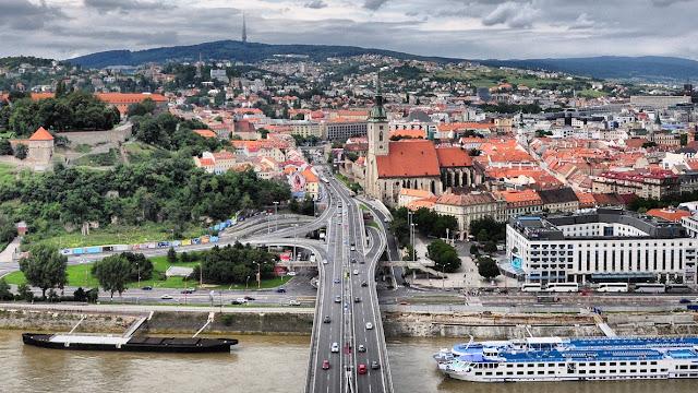 Jak komuniści wyburzyli część bratysławskiego starego miasta