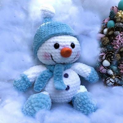 Снеговик Степка крючком