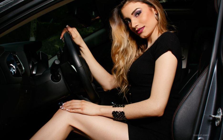 SkarletJones Model GlamourCams