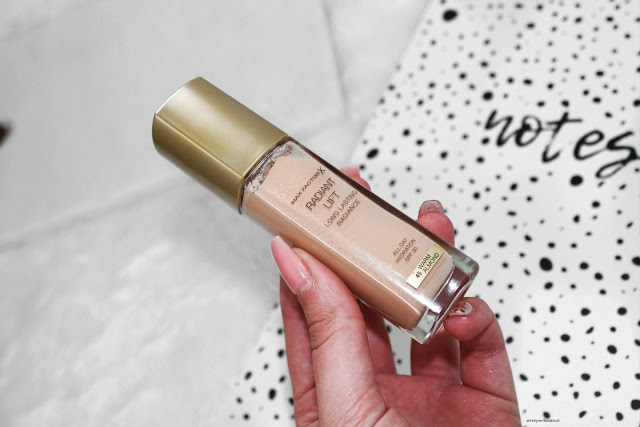 MaxFactor Radiant Lift Foundation