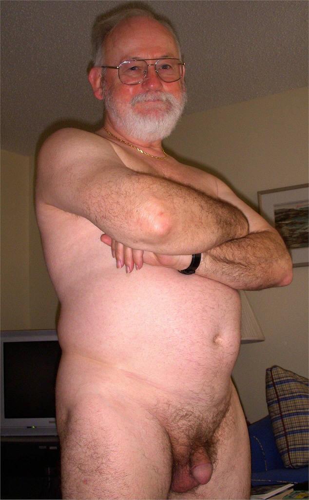 Zac efron nearly naked on dirty grandpa set