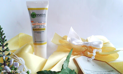 UNBOXING Garnier Light Complete White SpeedTM SUPER ESSENCE