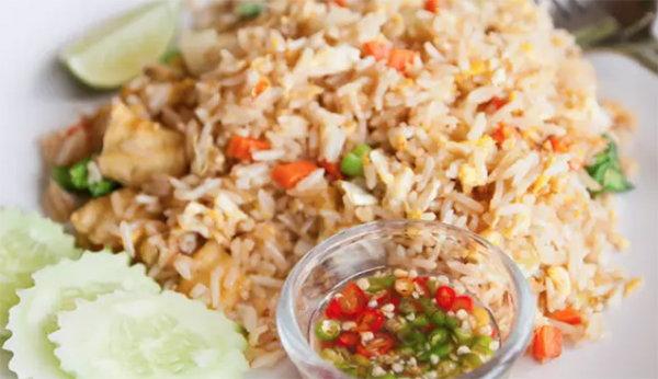 去泰國必吃的十道菜!泰式炒飯