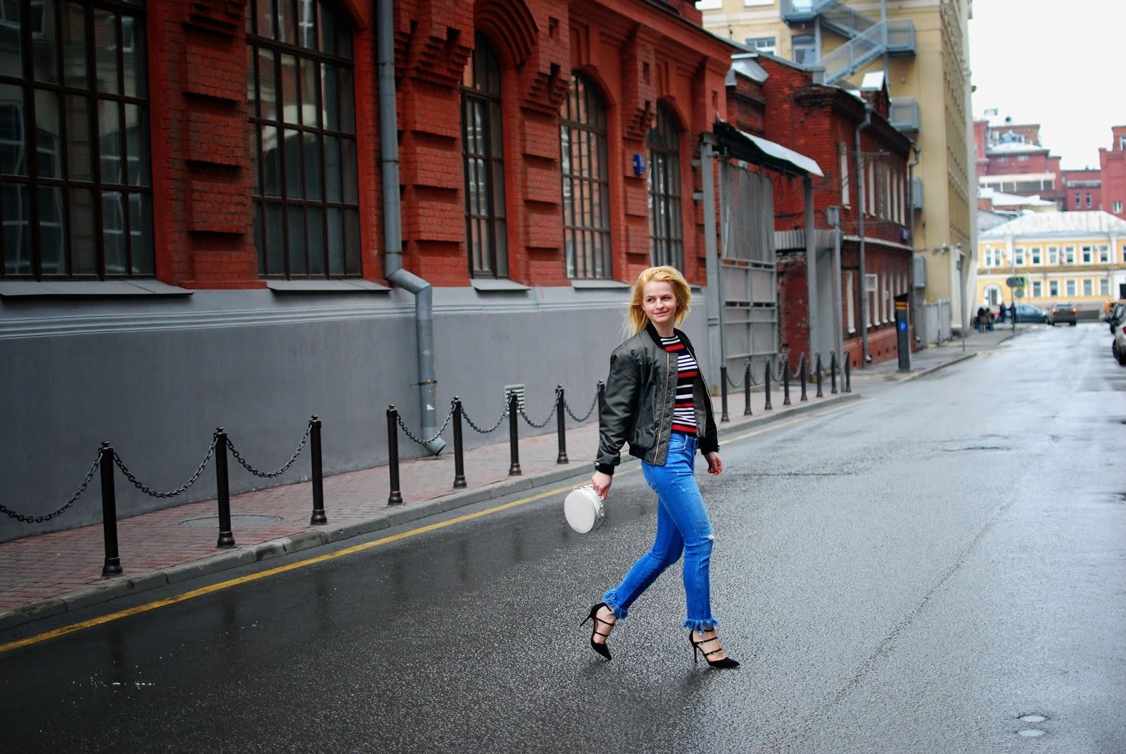 costa de la moda, stripe jumper outfit, raw hem jeans ideas, рваные джинсы тренд весна, уличная мода весна 2016