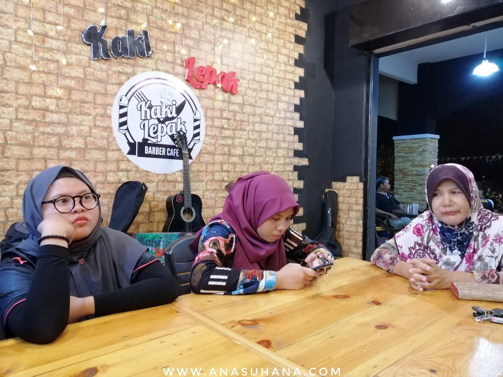 Kaki Lepak Barber Cafe