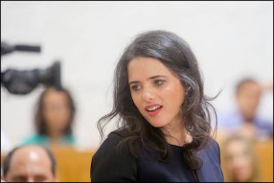 Ayelet Shaked  faz alerta controversa lei do estado-nação