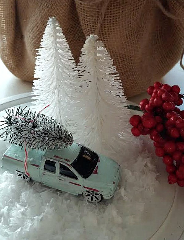 Christmas Cloche at www.diybeautify