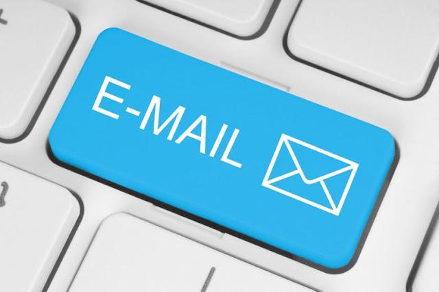 komplain lewat email