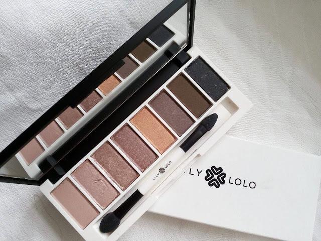 http://www.cosmeticsreviews.pl/2017/09/laid-bare-eye-palette-paletka-cieni-w.html