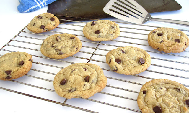 http://blog.dollhousebakeshoppe.com/2013/06/best-small-batch-choclate-chip-cookies.html