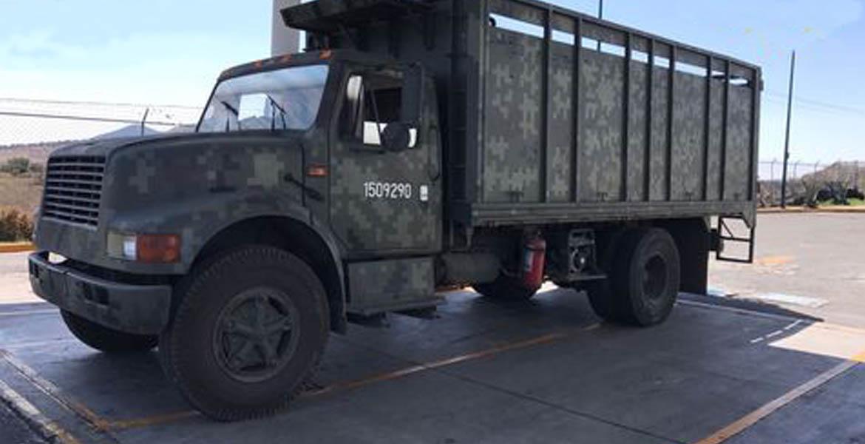 Clonan camión de la SEDENA para robar combustible.