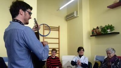 Sessió de musicoteràpia a l'Aviparc