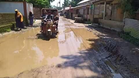 বেহাল রাস্তায় দুর্ভোগে এলাকবাসী